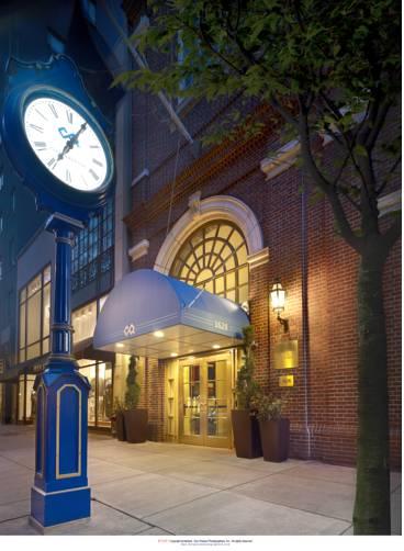 Club_Quarters_Hotel
