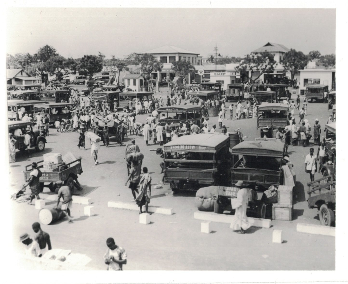 African Automobility: Mammy Trucks In Twentieth-Century Ghana