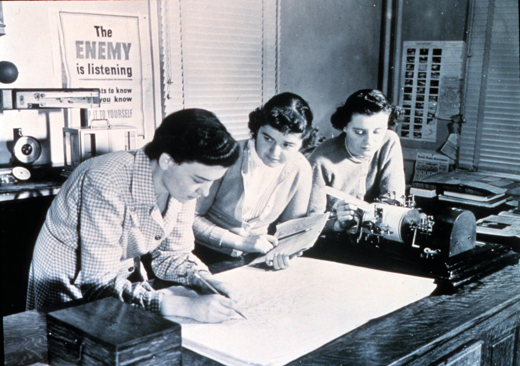 Unidentified women plot an upper air chart, c. 1944. NOAA Photo Library (online at https://www.flickr.com/photos/51647007@N08/5083205985/).