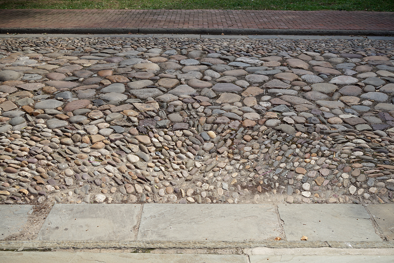 Reconstructed cobblestone pavement, Library Street, Philadelphia, 2016. Photo by author.